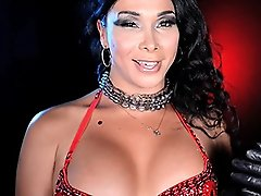 Sexy Vaniity spreads and jerks