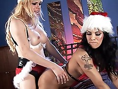 Naughty xmas transsexuals Jesse and Foxxy fucking