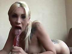 Tranny hottie Angeles Cid makes a creamy mess on the sofa after wanking off
